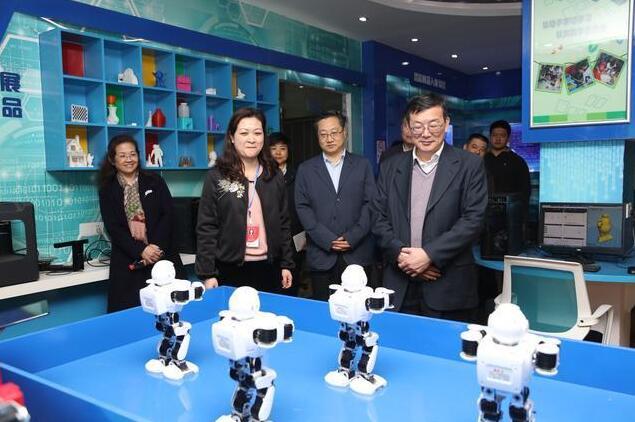叶贤林在汉调研强调:将洪山区科技优势转化为经济优势