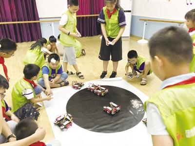 青山:青少年玩转机器人组装