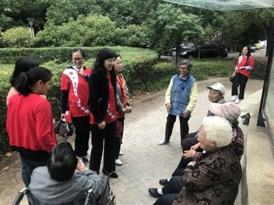 青山:深入社区倡导绿色出行