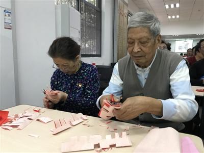 江汉:剪纸遇上中国红传承民间文艺